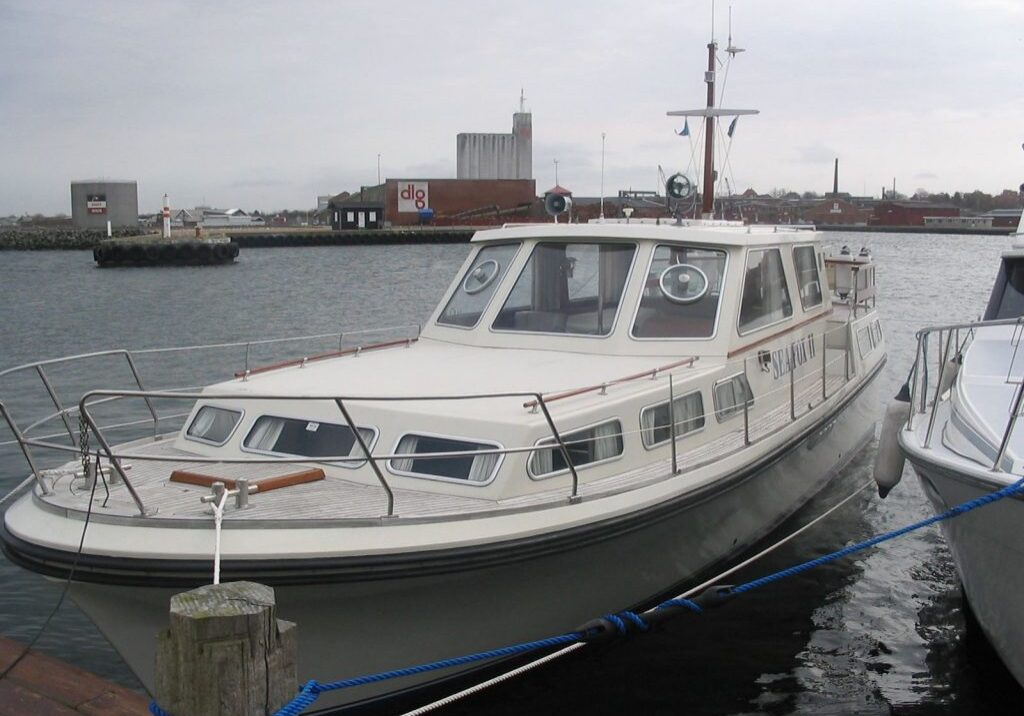 sister ship of Juvel